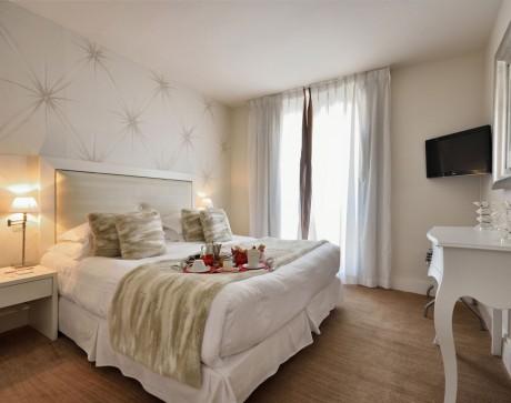 chambre-prestige-hotel-renoir