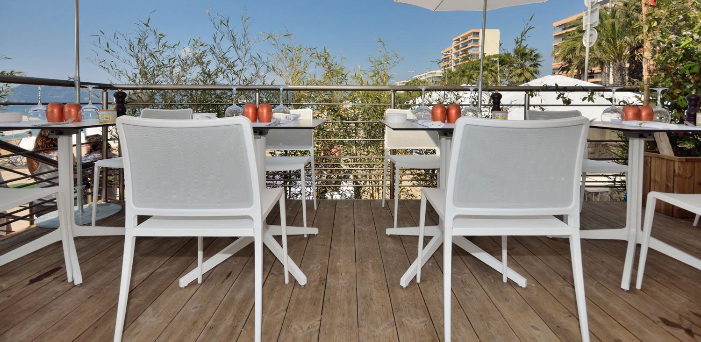 terrasse-mobilier-plage-lecabanon-slider